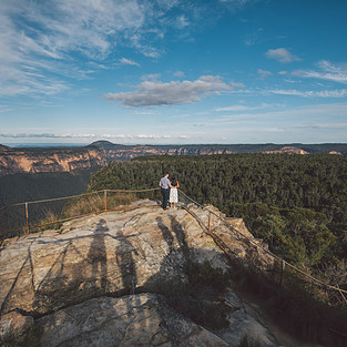 Couple portraits blue mountains de lumiere photography